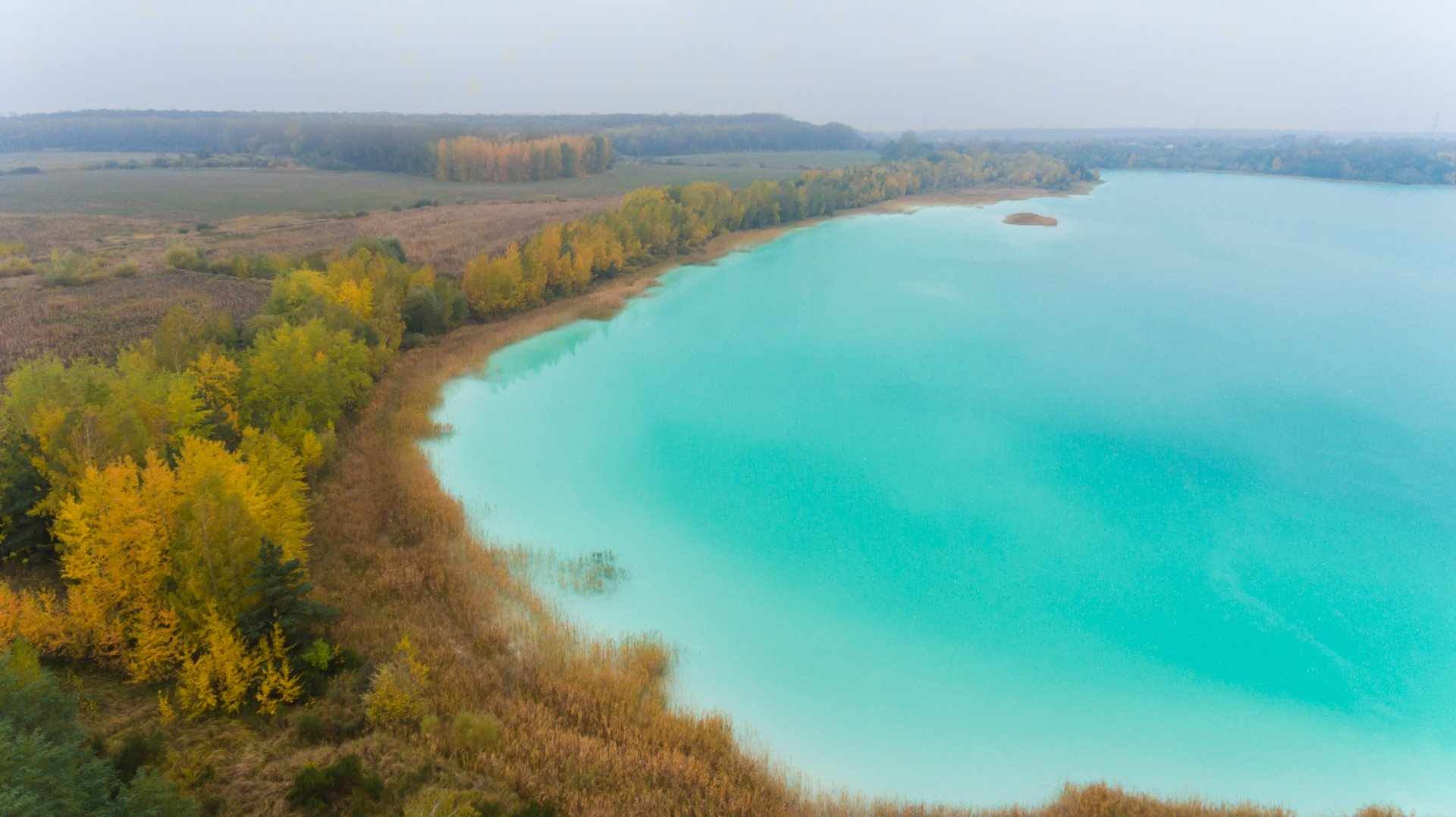 turkusowe-jezioro-konin-widok-z-drona